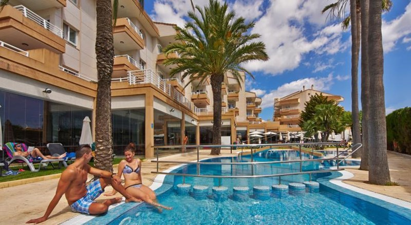 Hotel L'illot Suites and Spa